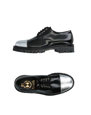 ARANTH Laced Shoes in Black