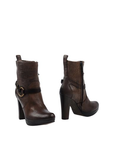 HENRY BEGUELIN Ankle Boot in Dark Brown
