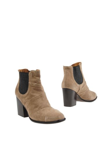 ALBERTO FERMANI Ankle Boot in Beige