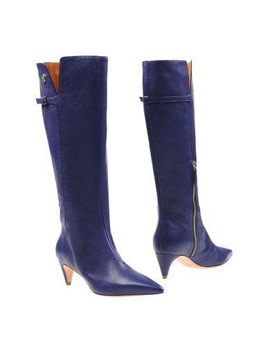 Boots in Dark Purple