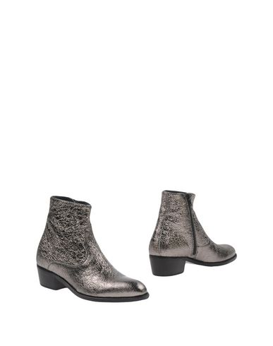 ALEXANDER HOTTO Ankle Boot in Silver