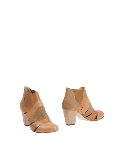 INK Ankle Boot in Camel