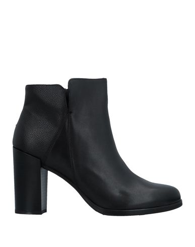 ANDERSON Ankle Boot in Black