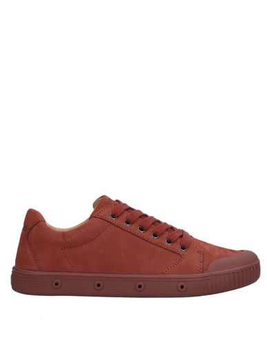 SPRING COURT Sneakers in Brick Red