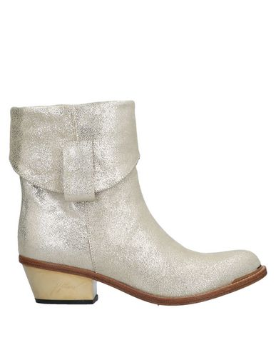 PETER FLOWERS Ankle Boot in Platinum