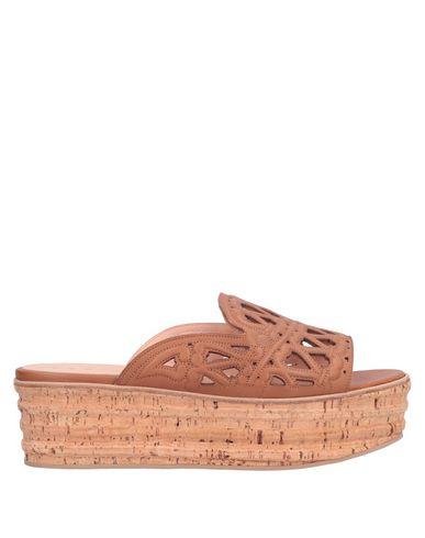 UNÜTZER Sandals in Tan
