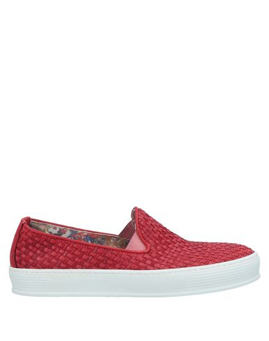 YAB Sneakers in Red