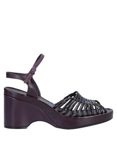 STEPHANE KÉLIAN Sandals in Garnet