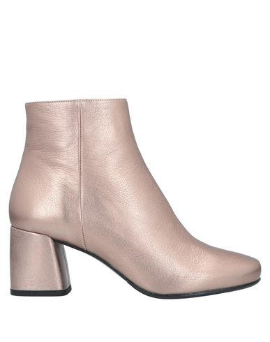 ARCHIVE Ankle Boot in Bronze