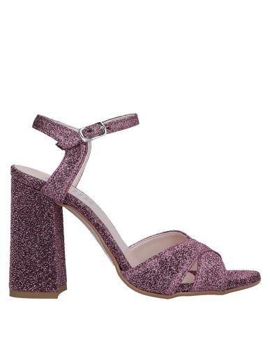 ESTELLE Sandals in Fuchsia