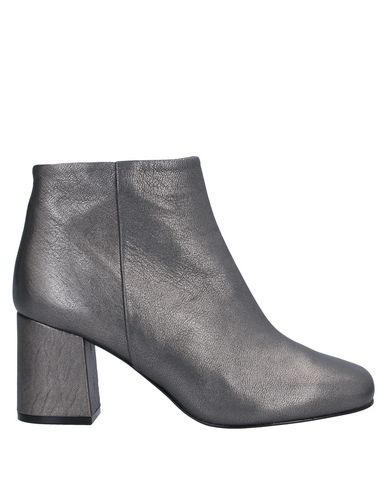 Anna F. Ankle Boot In Lead