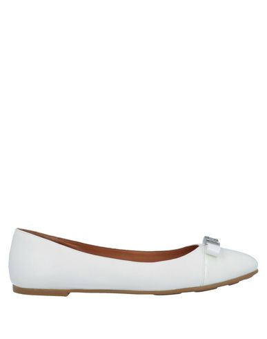Marc By Marc Jacobs Ballet Flats In White
