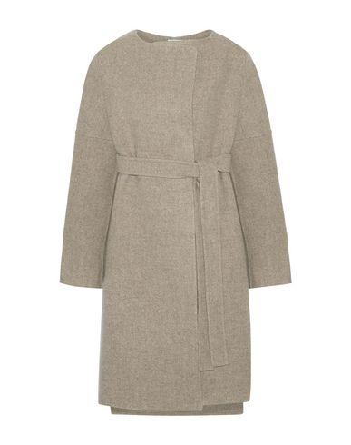 PROTAGONIST Coat in Dove Grey