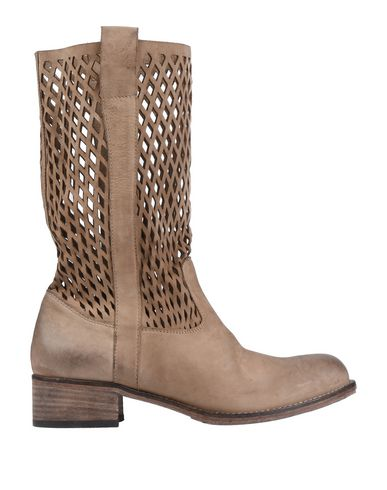 JFK Boots in Sand