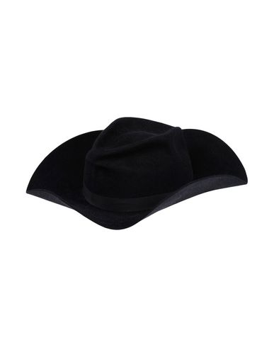 GLADYS TAMEZ Hat in Black
